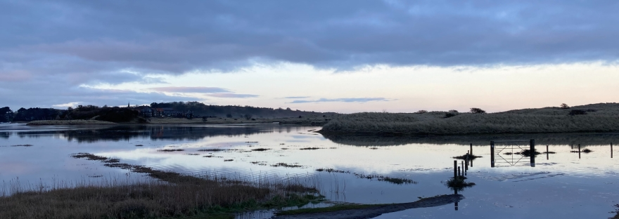 spring tide at Alnmouth